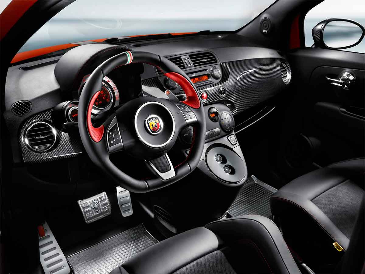 Interior Abarth 695 Tributo Ferrari