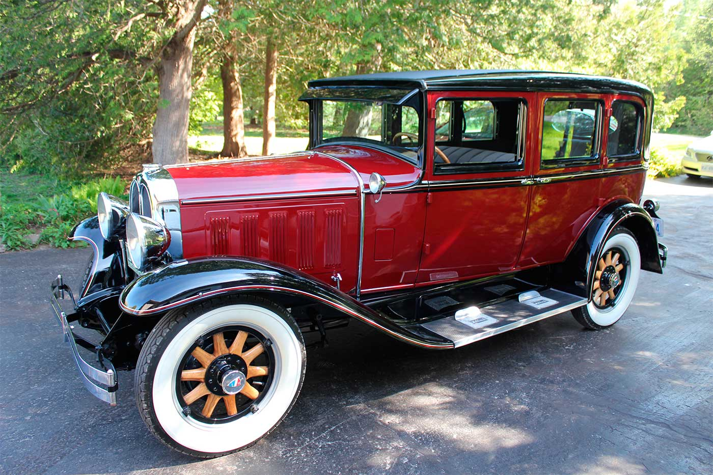 Oakland All-American Six Landau Sedan
