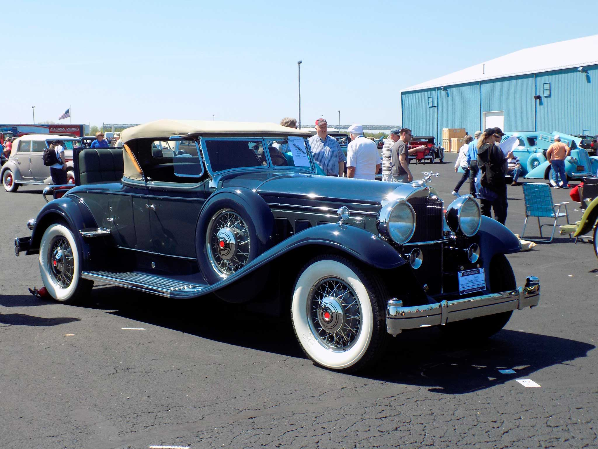 Packard Deluxe Eight Roadster